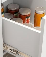 Gavetas internas com altura maior que a padrão do mercado (185mm), ajudam a acondicionar melhor os objetos.