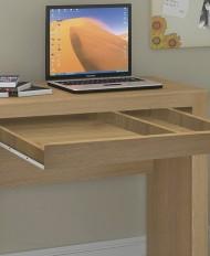 Espaços amplos para uma melhor organização do material de trabalho ou estudo.